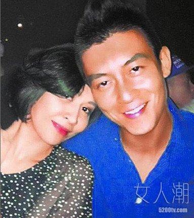 刘嘉玲与陈冠希酒后依偎照